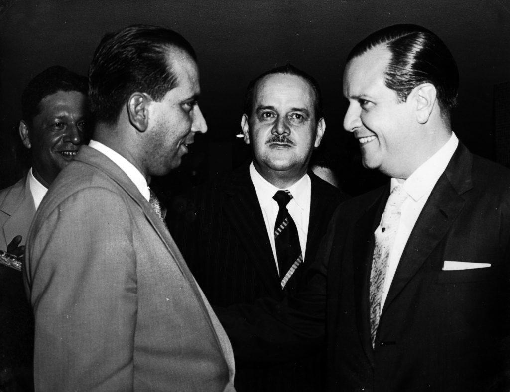 1958. En San Cristóbal, con Carlos Andrés Pérez y el Gobernador del Táchira, Santiago Ochoa Briceño.