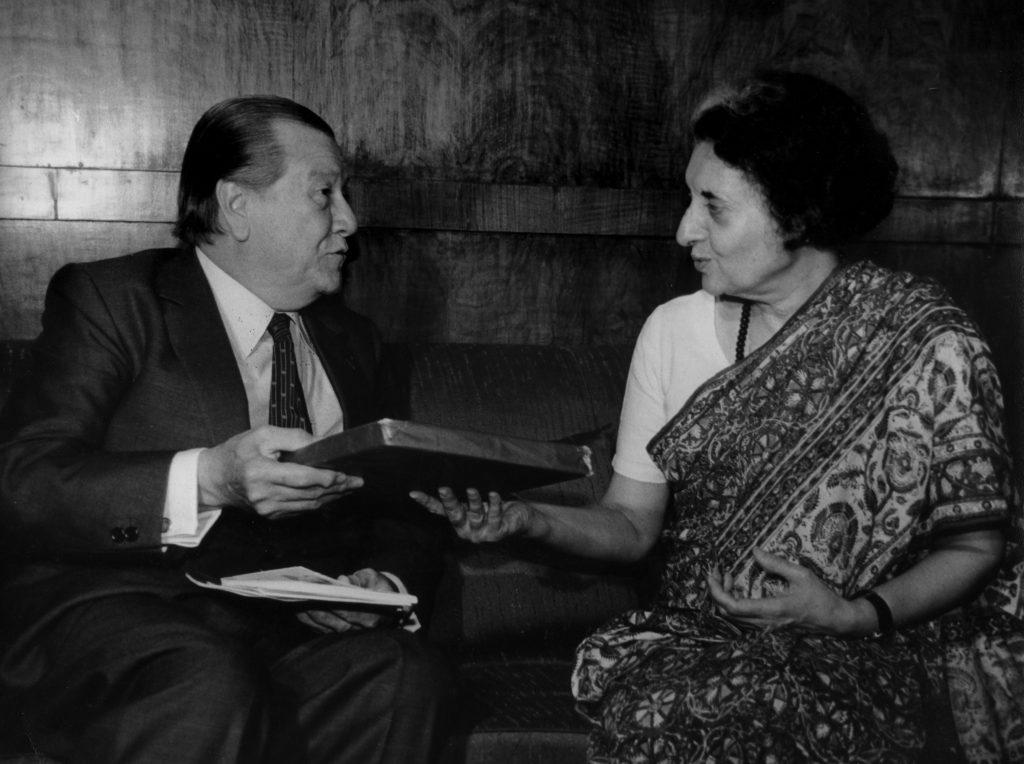 1982. Abril, 26. Visita a la Primer Ministro Indira Gandhi en calidad de Presidente de la Unión Interparlamentaria Mundial.