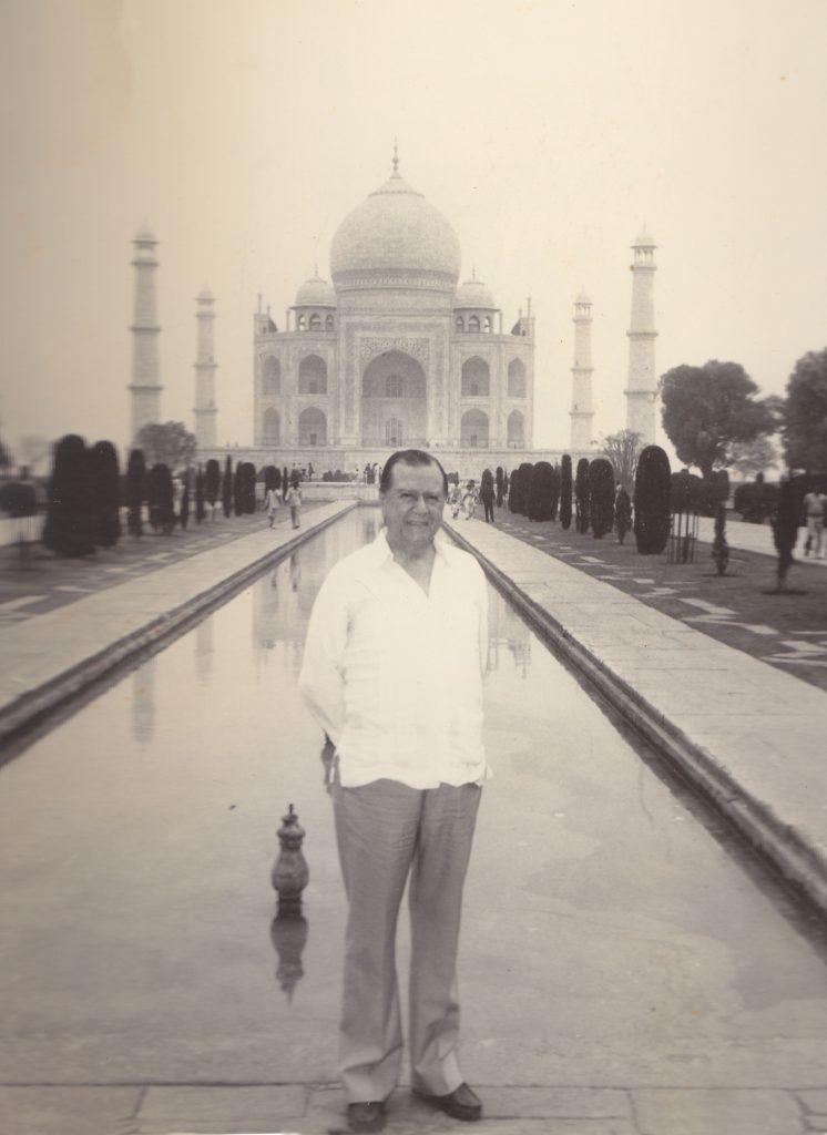 1982. Abril. En el Tajmahal, en su visita a la India como Presidente de la Unión Interparlamentaria Mundial.