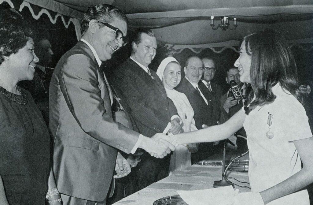 1970. Julio, 21. En la graduación de su hija Cecilia