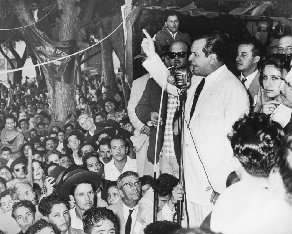1958. Julio, 4. Debemos demostrar que hay la voluntad de la unidad