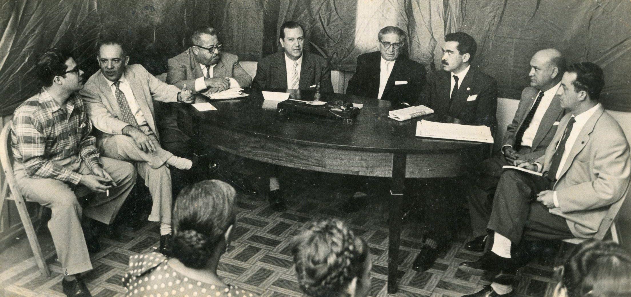 1958. Octubre, 16. El ejecutivo colegiado o plural y el consejo consultivo, propuestos
