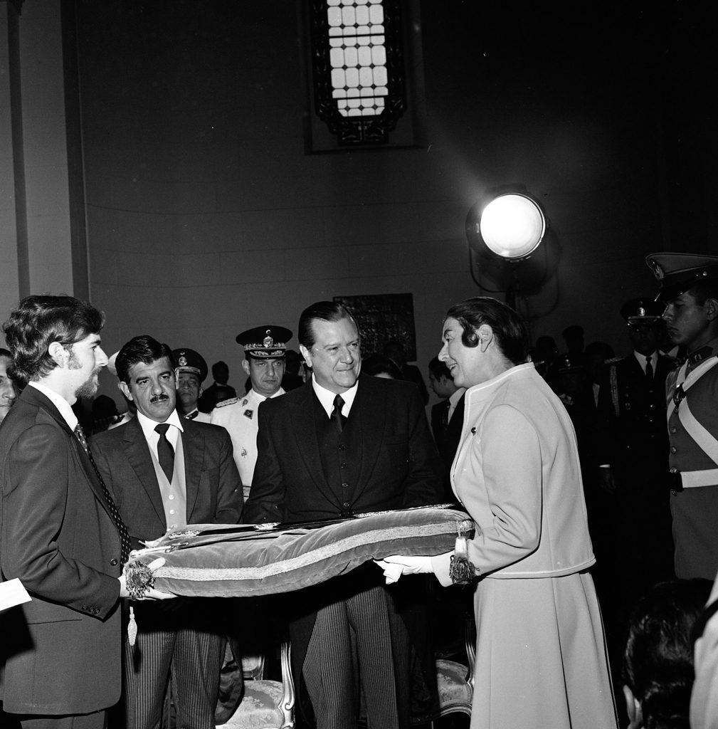 Rafael Caldera en el Panteón Nacional. Centenario muerte de José Antonio Páez, 1973.
