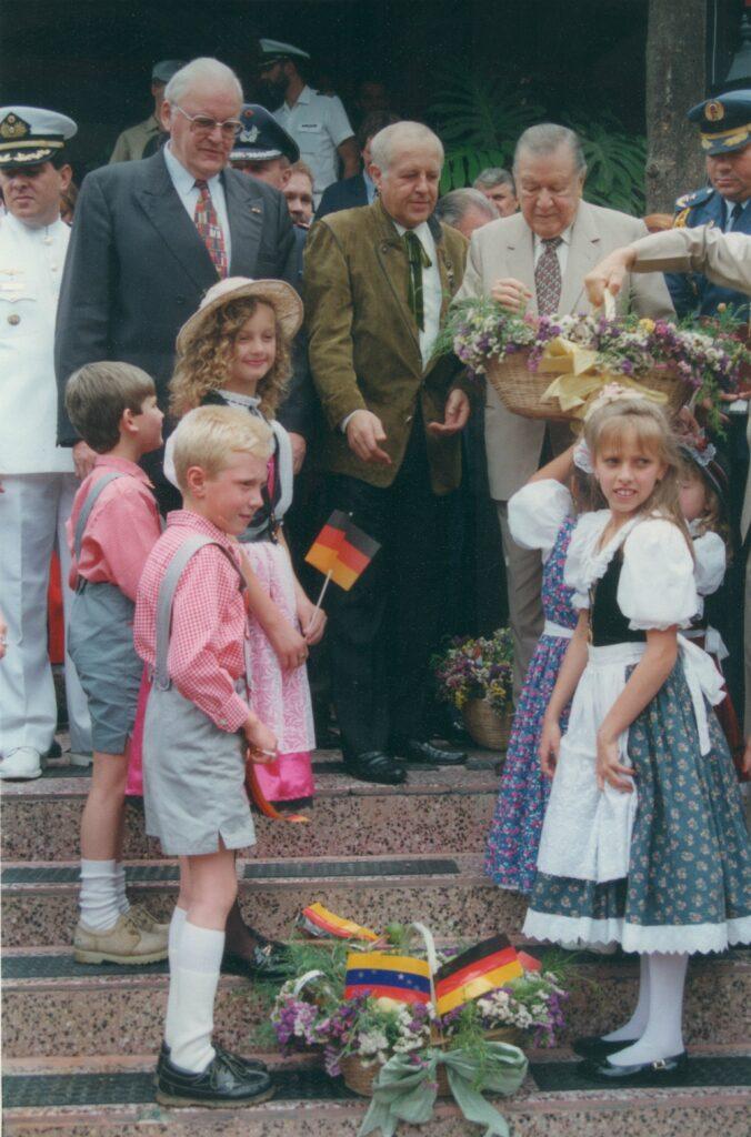 1996. Mayo 13. En la Colonia Tovar con el presidente Román Herzog de la República Federal Alemana,
