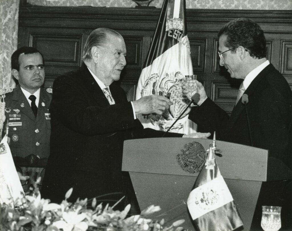 1997. Febrero, 6. Cena en el Palacio Nacional, ofrecida ofrecida por el presidente Ernesto Zedillo.