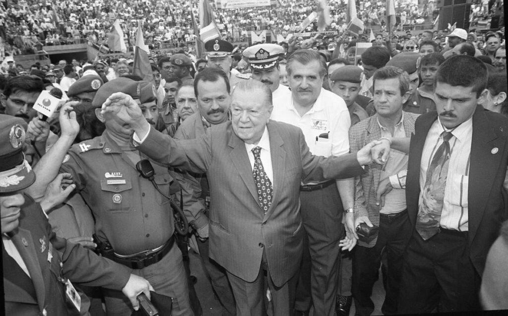 1997. Junio, 14. En la celebración del IV aniversario de Convergencia en el parque Naciones Unidas.