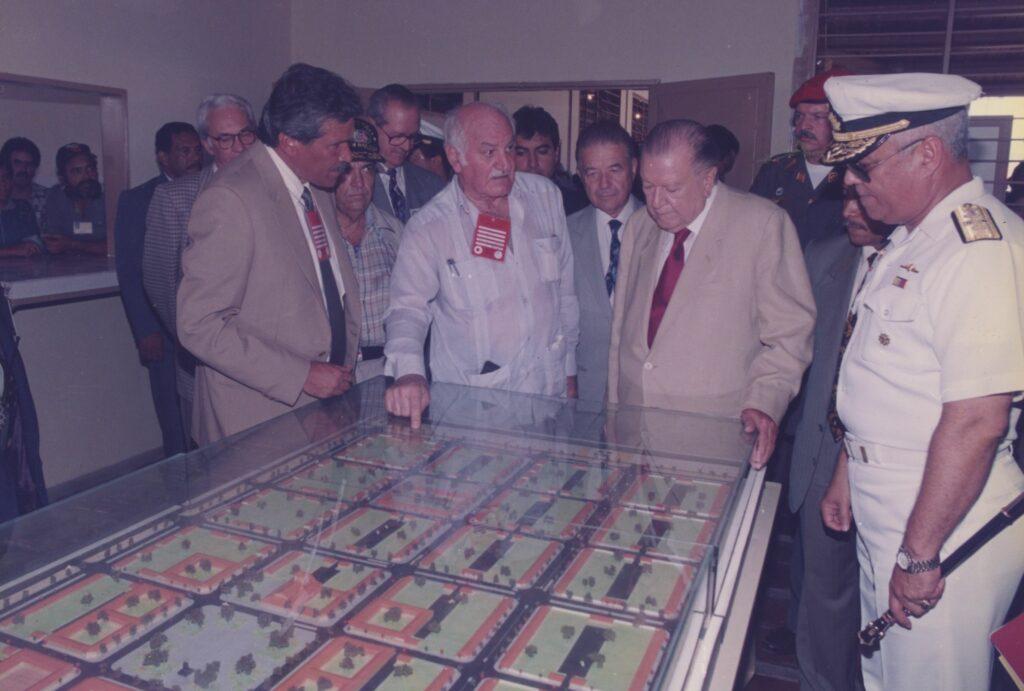 1997. Octubre, 28. Fundación de Ciudad Sucre. Vista de la maqueta.