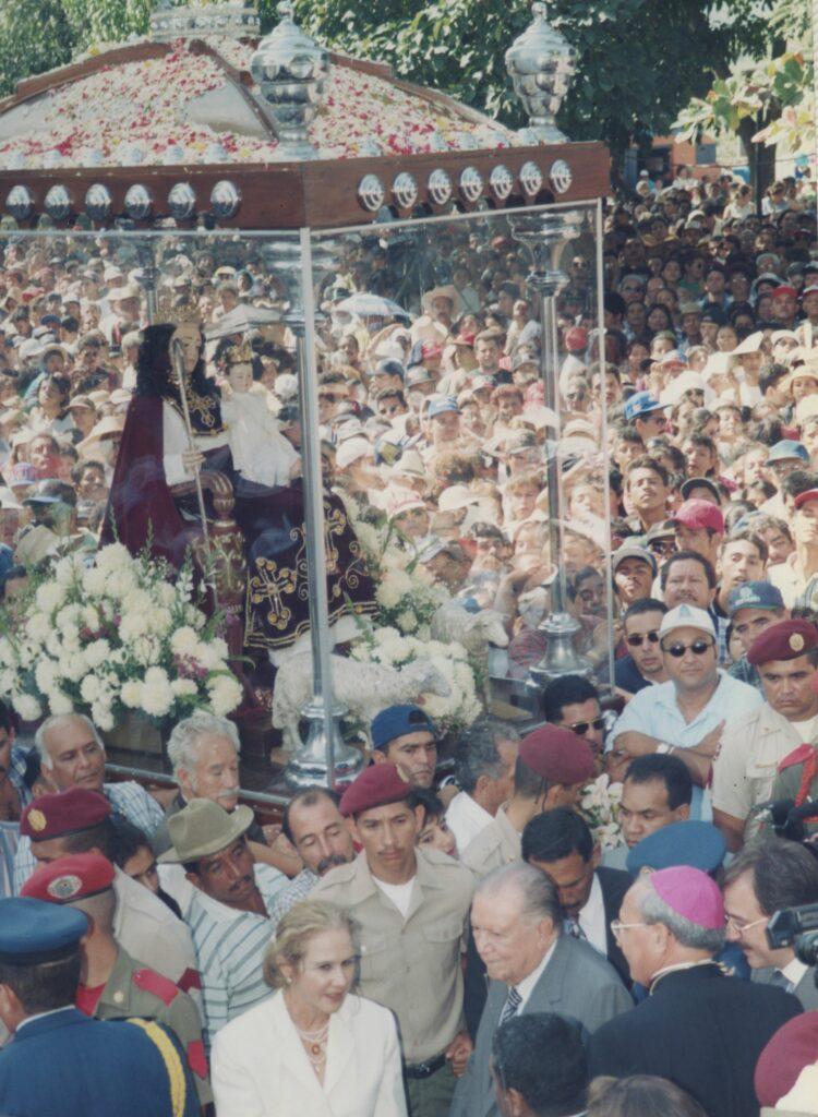 1998. Enero, 14. Participación en la procesión de la Divina Pastora.