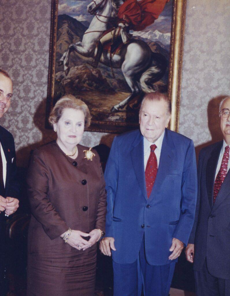 1998. Junio. Visita de Madeleine Albright. La Casona.