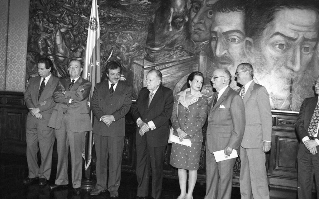 1998. Noviembre, 12. Presentación de las obras completas de Augusto Mijares en el salón Boyacá del Palacio de Miraflores.
