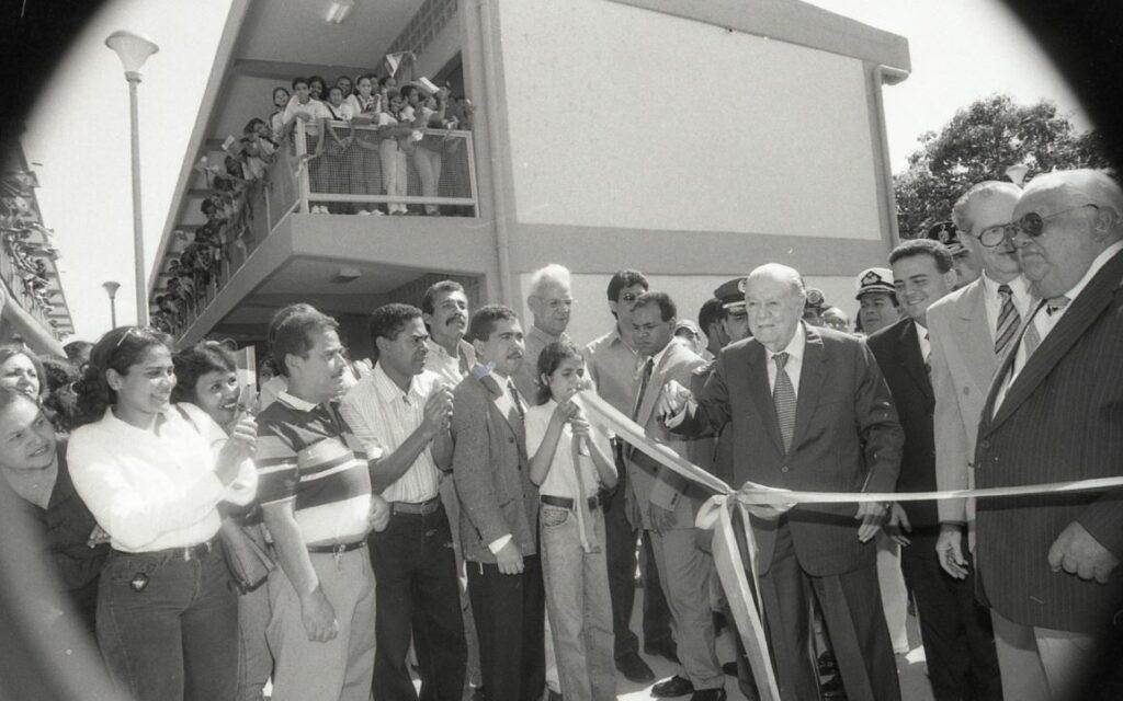 1998. Octubre, 22. Inauguración de la nueva sede de la UE Juan José de Maya en San Felipe, estado Yaracuy.