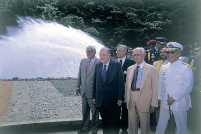 1998. Octubre, 25. Inauguración de la represa de Taguaza Pedro Pablo Azpúrua.